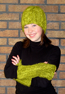 Quick_to_knit_cabled_hat_and_wrist_warmer_small2