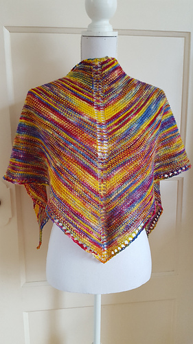 Ravelry Marilyns Easy Rainbow Shawl Pattern By Susan Elizabeth