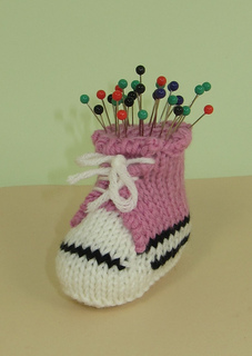 Converse_pin_cushion1_small2