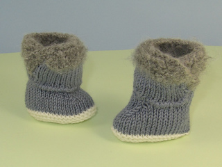 Baby_fur_top_booties4_small2