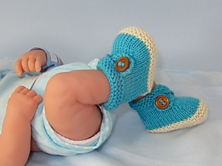 Baby_2_colour_cross_strap_booties06_small2