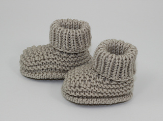 Baby_simple_booties2_small2