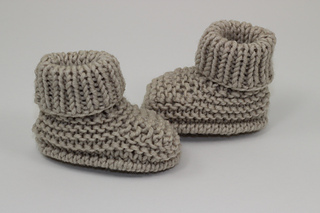 Baby_simple_booties1_small2