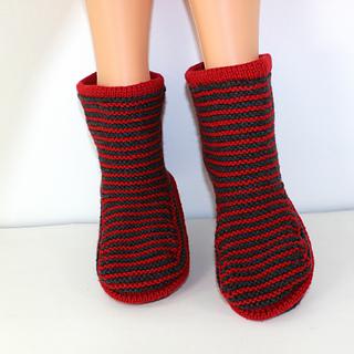 Cloudborn_fibers_stripe_boots_by_madmonkeyknits_a04_small2