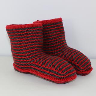 Cloudborn_fibers_stripe_boots_by_madmonkeyknits_a10_small2