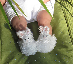 Baby_fluffy_bunny_boots_knitting_pattern_by_madmonkeyknits6_small