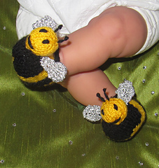 Baby_buzzy_bee_boots_knitting_pattern_by_madmonkeyknits1_small