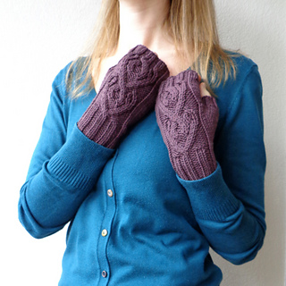 Red_heart_mitts_07