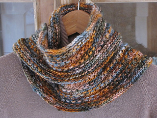 Autumn_sky_cowl_1_small2