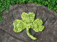 Shamrock_pattern_small