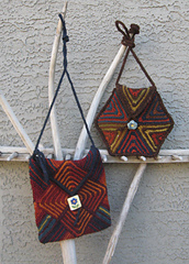 Mitered_squares_bolsa_purse___triangle_purse_small