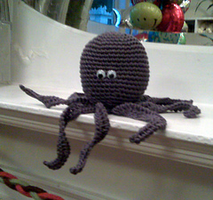 Pollie_the_octopus_2_small
