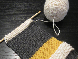 Tunisian_scarf_for_lefties_small2