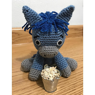 Stanley the Unicorn pattern by The Left-Handed Crocheter