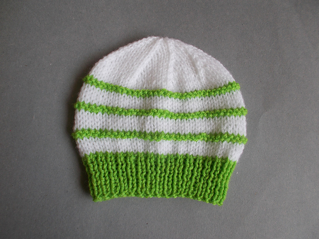 Ravelry Garter Stitch Ridge Baby Hat Pattern By Marianna Mel