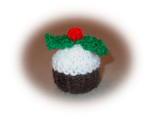Knitting Pattern Christmas Pudding Ferrero Rocher : Ravelry: Mini Christmas Pudding pattern by marianna mel