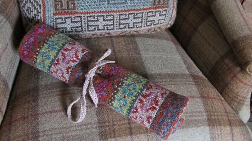 Knitting_wrap_1_medium