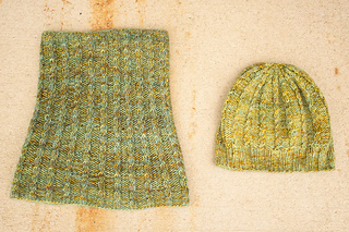 Merino_dk_and_db_angel_peavine_hat_and_cowl_kristen__6__small2
