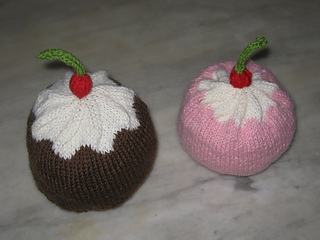 Muffin_hat_2012_rid_small2
