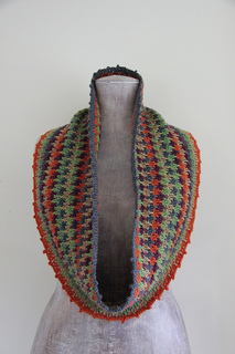 Bastet_crochet_cowl_small2