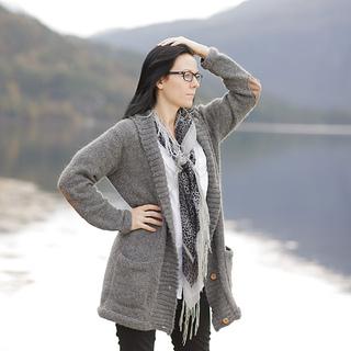 861f5771 Ravelry: Gammeldags jakke - dame pattern by Marte Helgetun