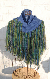 Boa_scarf_with_fringes_small_best_fit