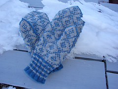 Shelley_s_hat__mitten__scarf_192_small