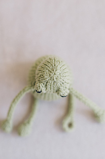 Quince-co-string-along-toys-susan-anderson-knitting-pattern-lark-4_small2
