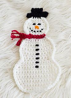 Snowman_pot_holder_crochet_-_photo_only_small2