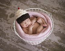 Momma_s_cupcake_hat_2_small_best_fit