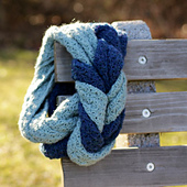 Endless_entwine_scarf_-_crochet_pattern_by_micah_makes_small_best_fit