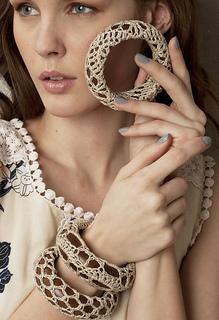 Vkcro12-jewelry-06rav_small2
