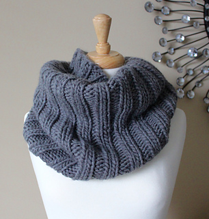 Bulky_ribbed_cowl_small2