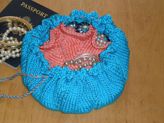 Baubles_open_small2