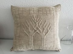 Cushion_cover_wool_acryl_beige_crown1_small