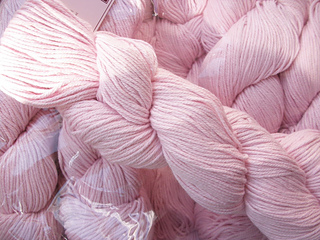 Colline_yarn_by_louisa_harding__sh_lily_01_small2