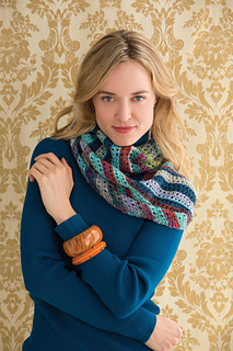 1b_striped_cowl_0015_copy_small2