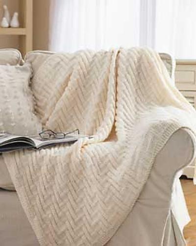 Ravelry Simple Chunky Blanket 3826 2405 Pattern By Bernat