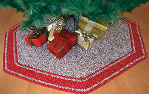 Ravelry Tree Skirt Pattern By Bernat Design Studio