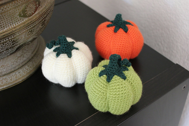 https://www.ravelry.com/projects/misshendrie/amigurumi-pumpkin-1-2
