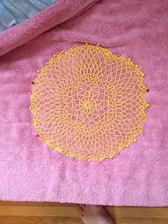 Round_lace_doily_small2