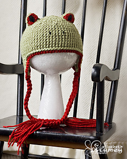 Green_frog_hat_small2