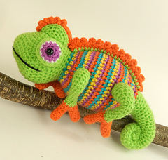 Camelia_the_chameleon_2_small
