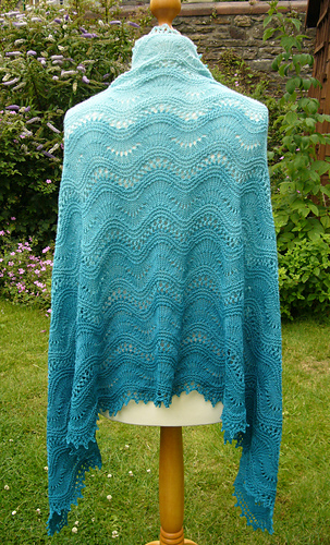 P1170416seashoreshawl_medium
