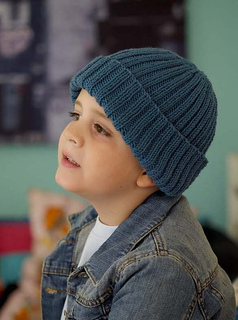 Ravelry  child s ribbed hat pattern by Claire Montgomerie 3d112416010