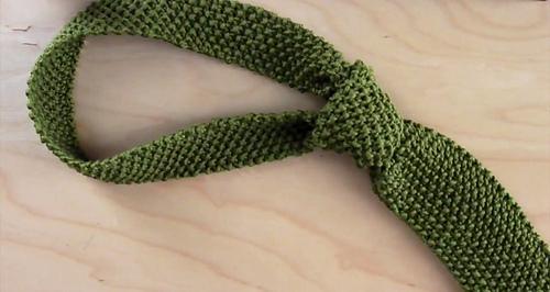 Ravelry Necktie In Seed Stitch Pattern By Kristen Mcdonnell