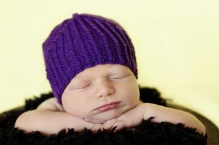 Little_knight_purple_hat_3_small2
