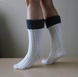 Hunting_socks_cuff_side_small2