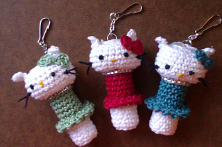Pretty Kitty Lip Balm Cozy pattern by Meredith Murphy