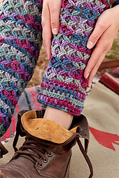 Zigzag-leg-warmer-in-boot_small_best_fit